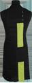 Detail foto van Halterschort met zak in 2e gedeeld en gekleurde baan van 8 cm breed met verstelbare nekband d.m.v. drukkers. - Lime