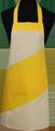 Detail foto van Hobbyschort diagonaal met vaste nekband met zak in 2e gedeeld - Geel