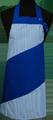 Detail foto van Hobbyschort diagonaal met verstelbare nekband. Nekband is d.m.v. drukkers te verstellen - Kobalt