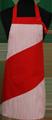 Detail foto van Hobbyschort diagonaal met verstelbare nekband. Nekband is d.m.v. drukkers te verstellen - Rood