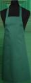 Detail foto van Hobbyschort zonder zak extra breed en 100 cm lang met extra lange banden zodat het schort voor gestrikt kan worden. - Bottle Groen