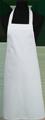 Detail foto van Hobbyschort zonder zak extra breed en 100 cm lang met extra lange banden zodat het schort voor gestrikt kan worden. - Wit