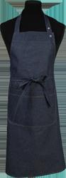 Paspop foto van Halterschort voorzien van een dubbel opgestikte zak met rivetten en een verstelbare nekband d.m.v. drukkers. Extra lange strikbanden waardoor het schort voor gestrikt kan worden.